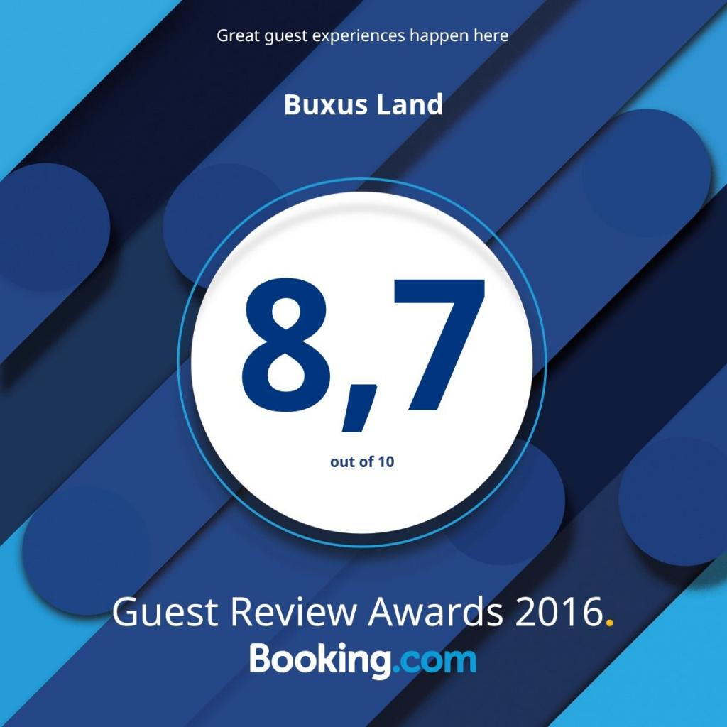 BuxusLand vu par Booking